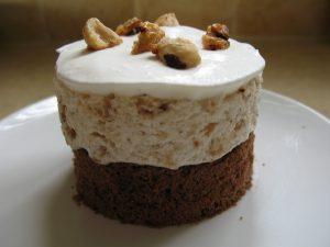 עוגת קרם אגוזי לוז