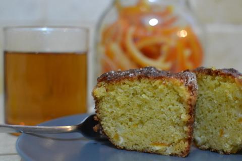 עוגת תפוזים עם קליפות תפוזים מסוכרות