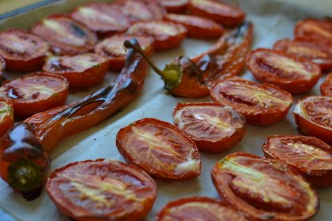 עגבניות תמר צלויות