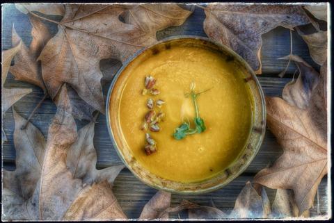מרק גזר מושלם: מרק של גזרים מזוגגים במייפל וערמונים