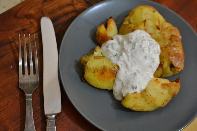 תפוחי אדמה מעוכים בתנור ומלח מתובל