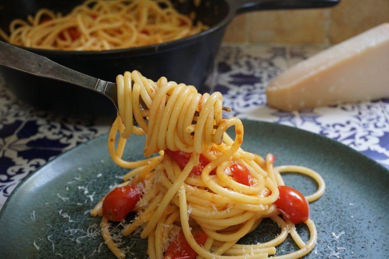 פסטה ברוטב עגבניות שרי